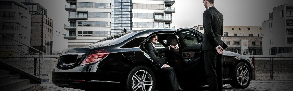affordable-chauffeur-and-black-limousine-airport-transfer-service-dusseldorf