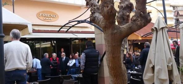 Πολίτες επιτέθηκαν στον Νίκο Δένδια στον Άγιο Λάζαρο