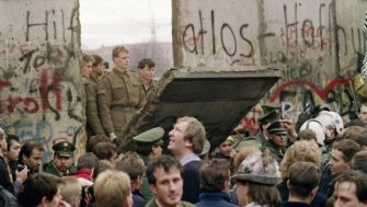 Infographics to Honor the 26th Anniversary of the Fall of the Berlin Wall