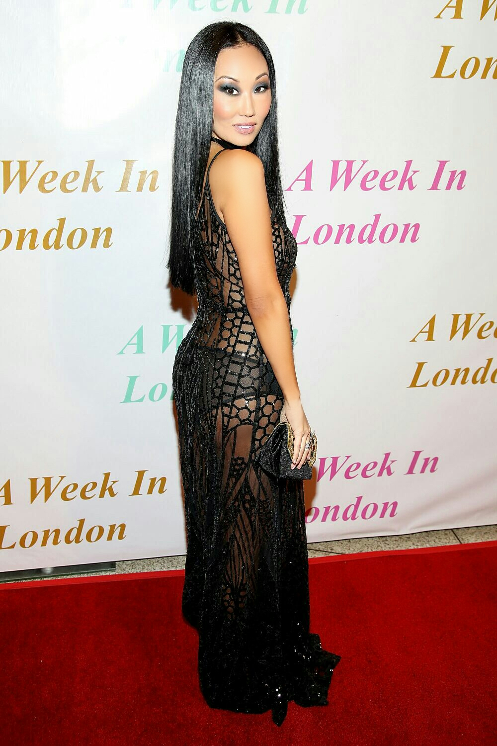 old-hollywood-glamour-shines-at-the-a-week-in-london-premiere-viva-glam-magazine-candace-kita4
