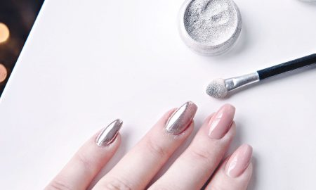 WATCH: Chrome Nails: How to DIY the Metallic Manicure Trend