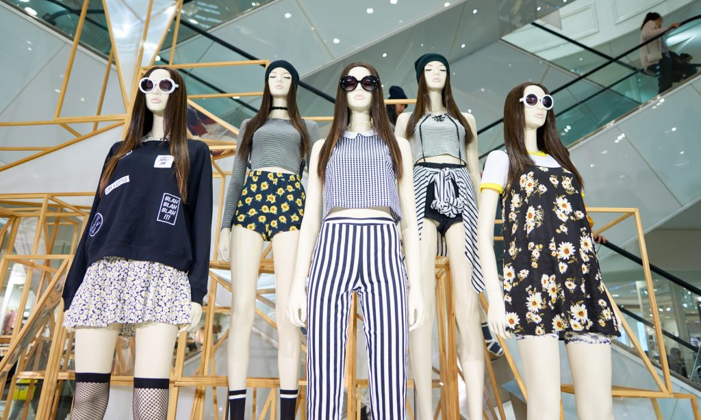 manicans, forever 21, fashion, fast fashion, mall