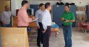 Alcaldes de Villalba y Toa Alta visitan varios centros.