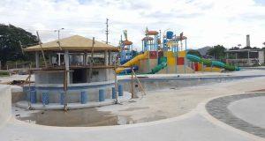 El Arroyo Water Park contará con varias piscinas para adultos, incluyendo un espacio acuático donde personas podrán practicar el deporte del surf.