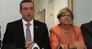 El gobernador Alejandro García Padilla junto a la alcaldesa de Ponce, María Meléndez Altieri.