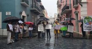 Manifestación de esta mañana frente a La Fortaleza.