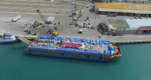 La Barcaza de la Esperanza salió desde el Puerto de Ponce hacia el muelle Les Cayes en Haití. (Facebook / Por Haití Ahora)