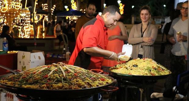 La edición de diciembre del Juana Díaz Culinary Fest incluyó paella. (Voces del Sur)