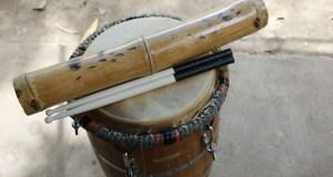 Instrumentos utilizados para tocar bomba y plena. (Voces del Sur)