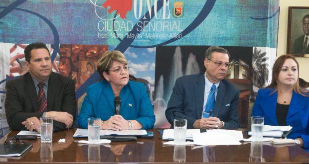 El administrador de la ciudad Félix Camacho, la alcaldesa María Meléndez, el presidente de la Legislatura Municipal, Rafael Mateu y la directora de la División Legal de Ponce Marieli Paradiso.