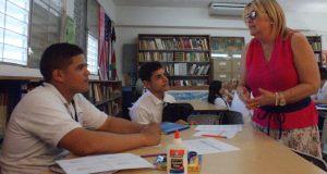 Las clases de inglés son impartidas por la doctora Milagros Caratini Soto. (Suministrada)