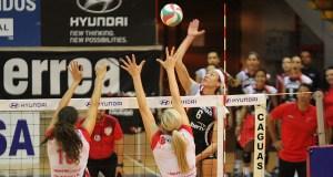 La importada Haley Eckerman debutó anoche con las Leonas y aportó 21 puntos. (Federación Puertorriqueña de Voleibol / Alfredo Agosto Ocasio)