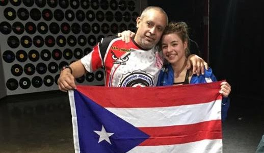 Deshimar Rodríguez Rivera junto a su padre y entrenador, Roshi Steven Rodríguez.
