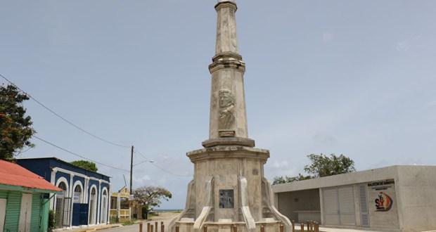 Arroyo. (Voces del Sur)