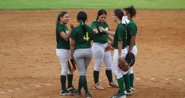 Integrantes de las Chicas de Guayanilla.