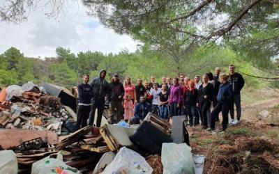 Proveli smo volontersku akcija zajedno s Volonterskim centrom Gračac u sklopu HRVATSKA VOLONTIRA 2020!