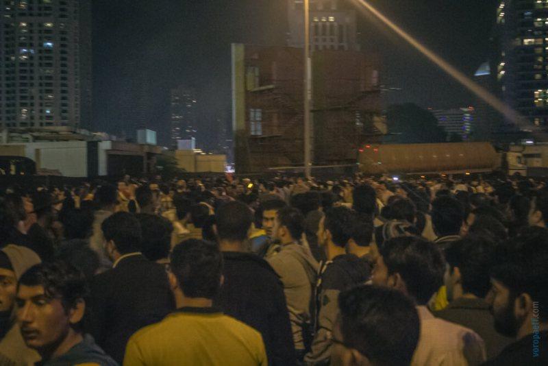 Толпа у Бурж Халифы