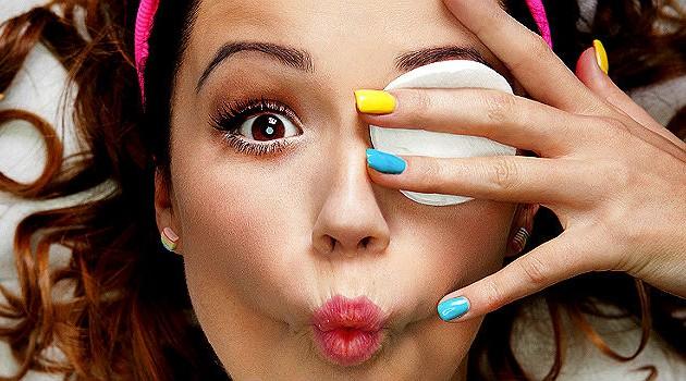 como-tirar-maquiagem-3_0