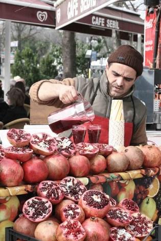 Granaatappelsap in Istanbul - Monica Luka