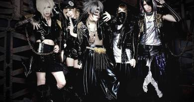 <Source:ヴァンパイア Official Website>