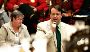 Steve Howard speaks in the well of the House during the 2009 gay marriage debate. Photo by Karen Pike.