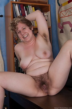 xxx mature hairy pussy
