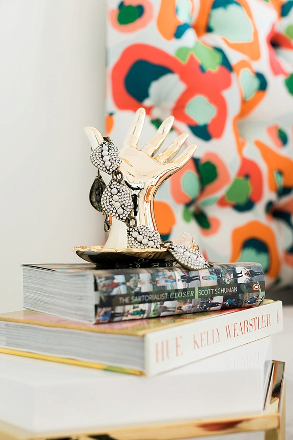 Bright, bold details in the one room challenge, @waitingonmartha