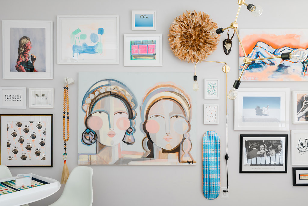 How to arrange a gallery wall, including our favorite juju hat via @Waitingonmartha