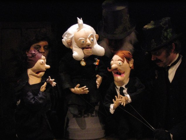 Wakka Wakka - The Death of Little Ibsen - Family Portrait