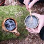 Asche, Birkenblätter, Wasser