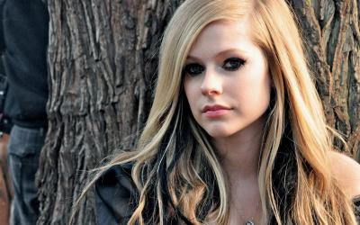 Avril Lavigne Wallpapers - Wallpaper Cave