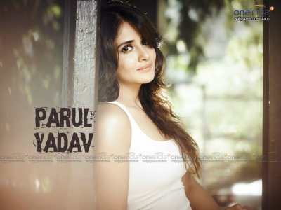 Parul Yadav HQ Wallpapers | Parul Yadav Wallpapers - 13092 - Filmibeat Wallpapers