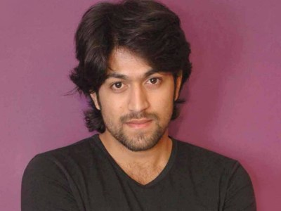 Yash HQ Wallpapers | Yash Wallpapers - 10587 - Filmibeat Wallpapers