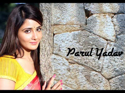 Parul Yadav HQ Wallpapers | Parul Yadav Wallpapers - 11459 - Filmibeat Wallpapers