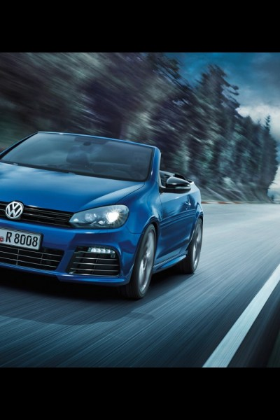 640x960 2013 Volkswagen Golf R Cabriolet Motion Front Angle Iphone 4 wallpaper