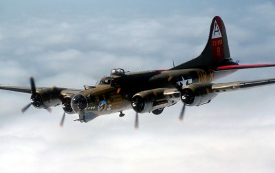 B 17 Flying Fortress wallpapers | B 17 Flying Fortress stock photos