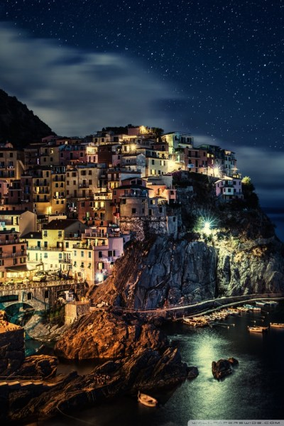 Manarola Town in Italy 4K HD Desktop Wallpaper for