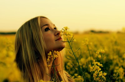 Rapeseed, Women Outdoors, Blonde, Yellow Flowers, Looking Up, Flowers Wallpapers HD / Desktop ...