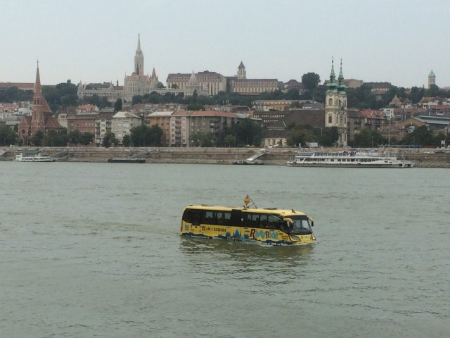 water_bus_budapest
