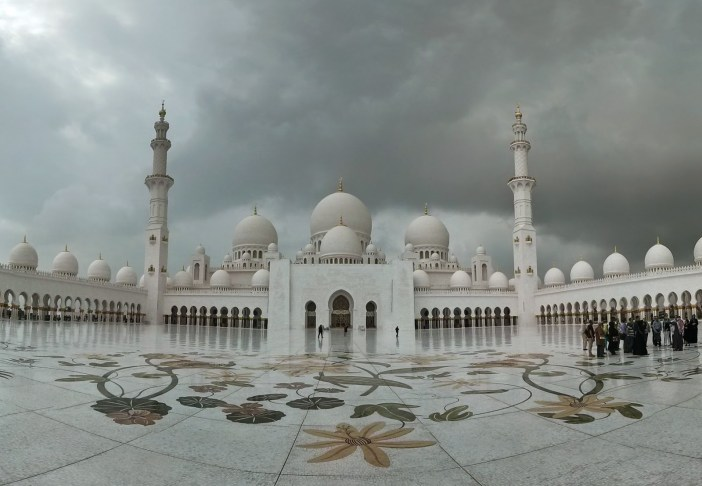 Top 10 Most Beautiful Mosques in Middle East 01