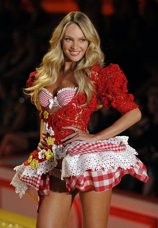 WTFSG-Candice Swanepoel at 2010 Victoria's Secret Fashion Show