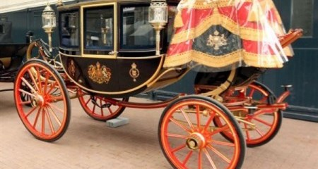 WTFSG_wedding-carriages-of-kate-and-william-unveiled_2