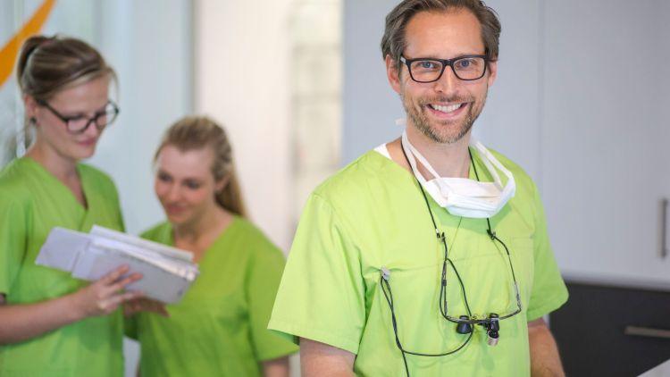 Zahnarzt Budde: Wie bewahre ich meine Kinder vor Karies?