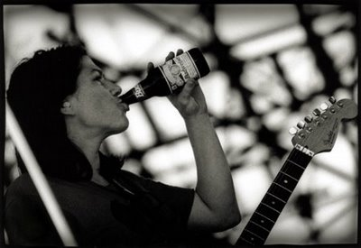 kim_deal with beer
