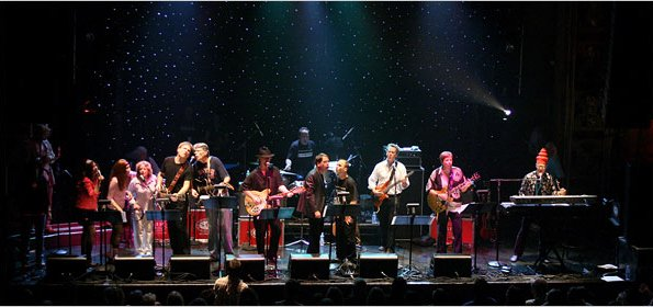 The Rock Bottom Remainders play New York City in 2007 (photo courtesy Julien Jourdes)