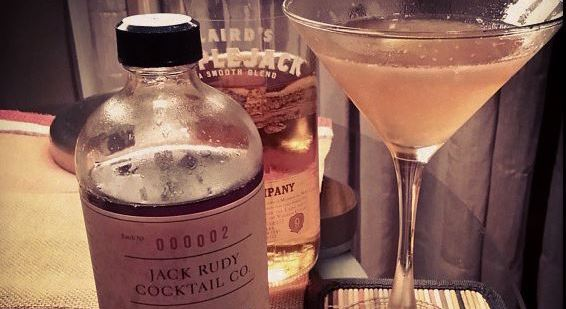 The Jack Rose is a great sip to bridge the season from summer to fall. Photo courtesy of Kelly Magyarics.