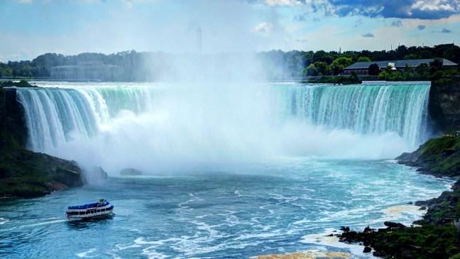Amazing-Niagara-Falls