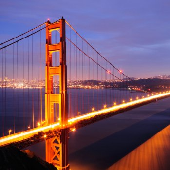 golden-gate-bridge-in-millbrae-california-top