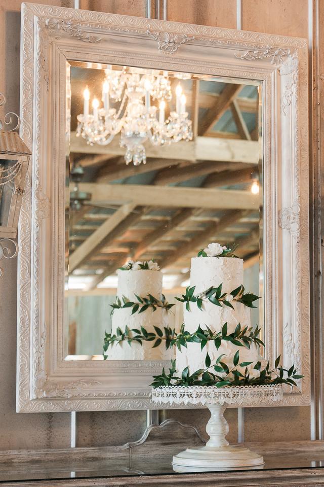 Greenery Wedding Cake Decoration ideas
