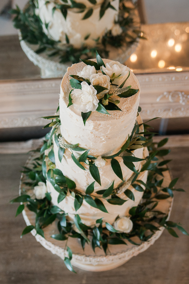 Greenery Wedding Cake Decoration ideas